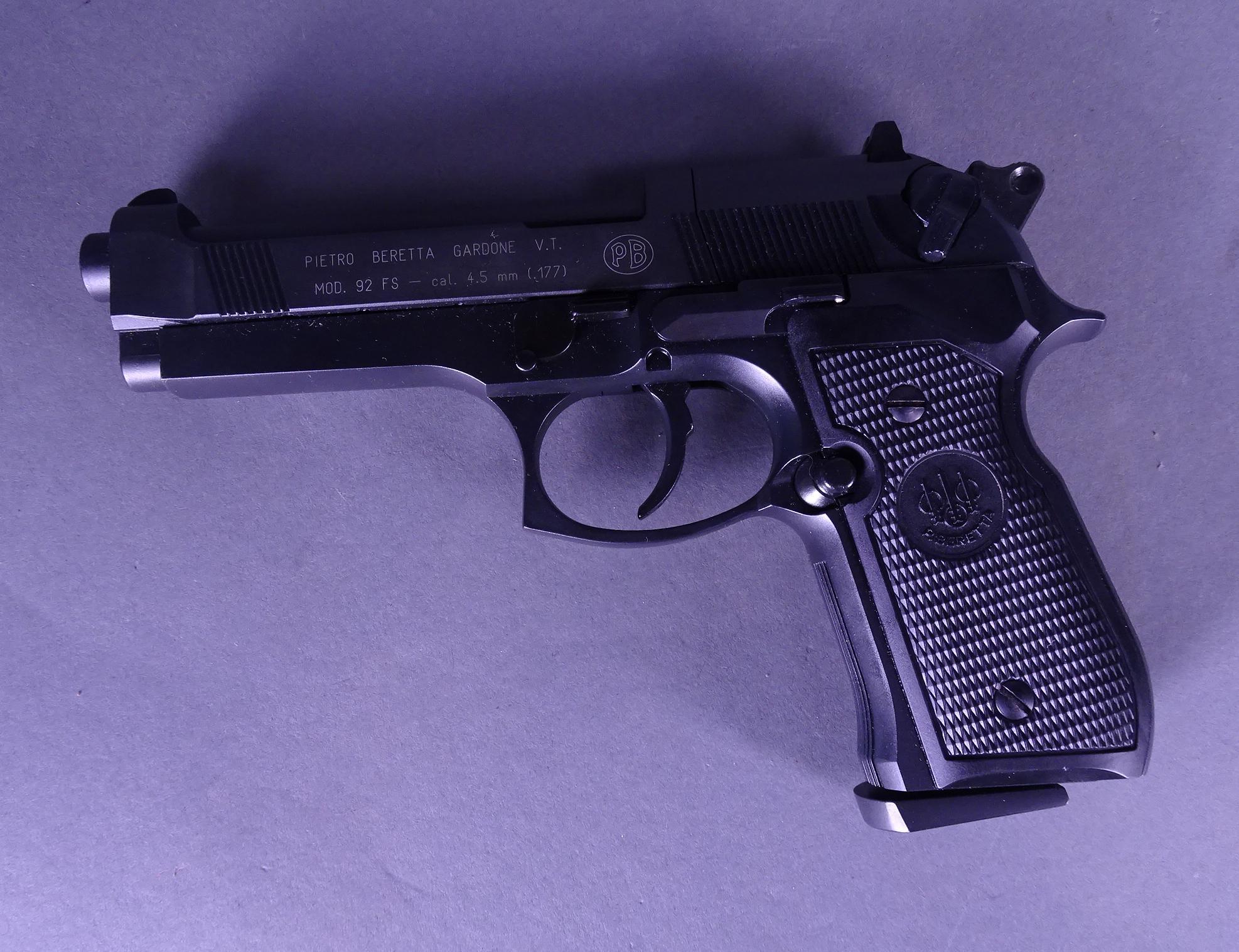 arme pistolet plomb air comprim pietro beretta cal 4 5mm. Black Bedroom Furniture Sets. Home Design Ideas