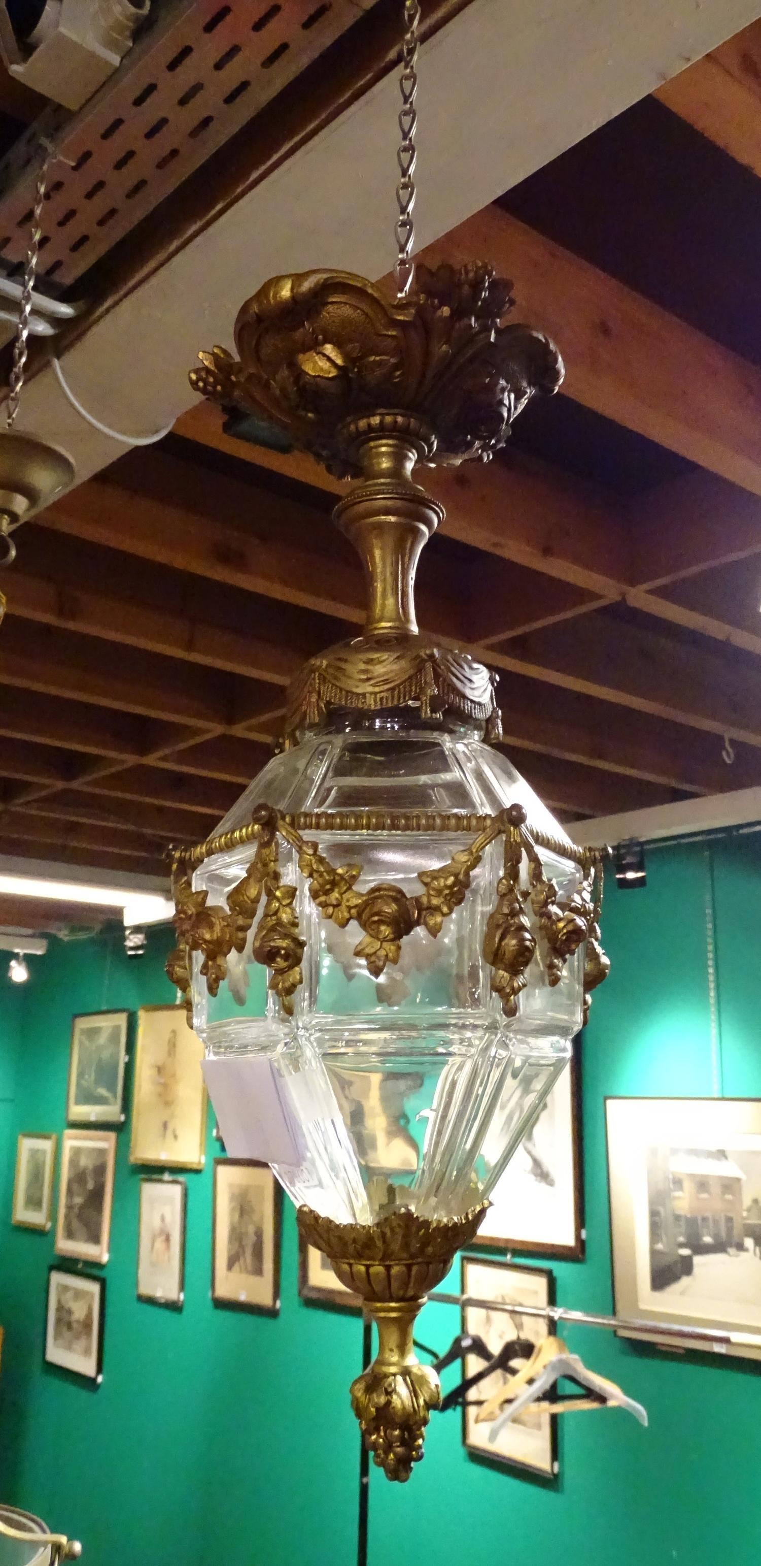 luminaire lanterne plafonnier ancien en bronze et. Black Bedroom Furniture Sets. Home Design Ideas